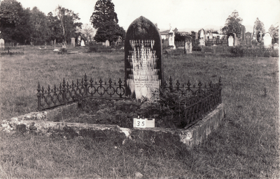 Historic picture of Makaraka cemetery, block MKAFS, plot 35.