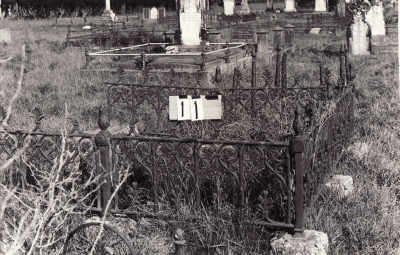 Historic picture of Makaraka cemetery, block MKA, plot 11.