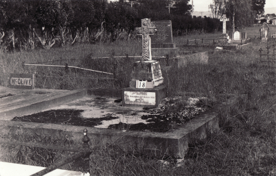 Historic picture of Makaraka cemetery, block MKA, plot 18.