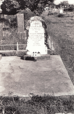 Historic picture of Makaraka cemetery, block MKA, plot 24.