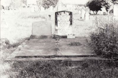 Historic picture of Makaraka cemetery, block MKA, plot 3.