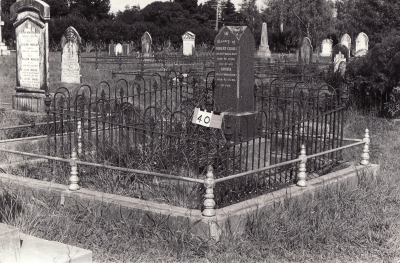 Historic picture of Makaraka cemetery, block MKA, plot 40.