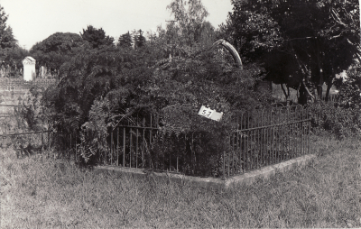 Historic picture of Makaraka cemetery, block MKA, plot 57.
