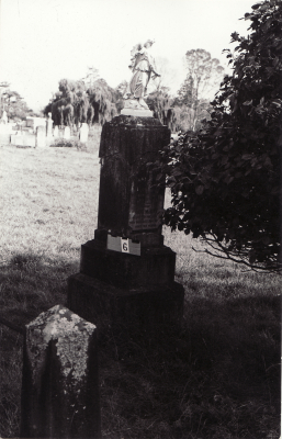 Historic picture of Makaraka cemetery, block MKA, plot 6.