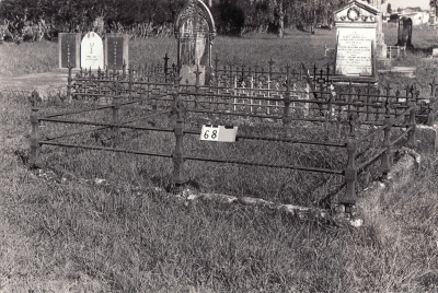 Historic picture of Makaraka cemetery, block MKA, plot 68.