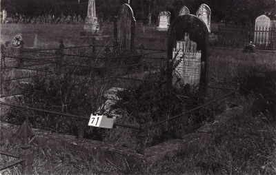 Historic picture of Makaraka cemetery, block MKA, plot 71.