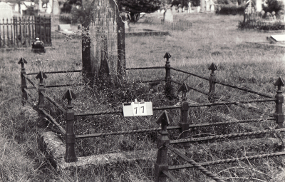 Historic picture of Makaraka cemetery, block MKA, plot 77.