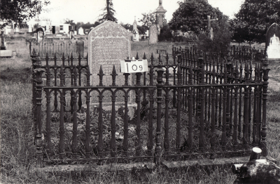 Historic picture of Makaraka cemetery, block MKB, plot 109.