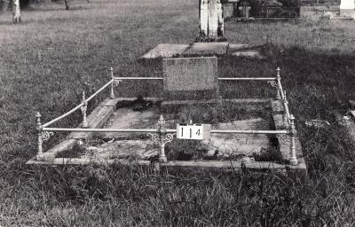 Historic picture of Makaraka cemetery, block MKB, plot 114.