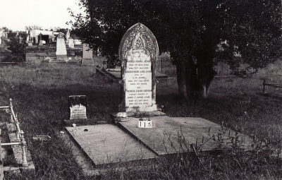 Historic picture of Makaraka cemetery, block MKB, plot 115.
