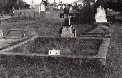 Historic picture of Makaraka cemetery, block MKB, plot 119.