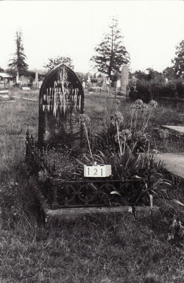 Historic picture of Makaraka cemetery, block MKB, plot 121.