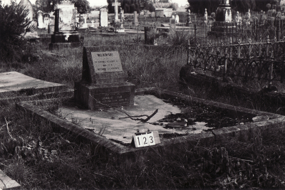 Historic picture of Makaraka cemetery, block MKB, plot 123.