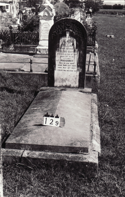 Historic picture of Makaraka cemetery, block MKB, plot 129.