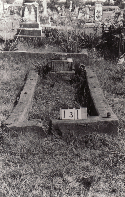 Historic picture of Makaraka cemetery, block MKB, plot 131.