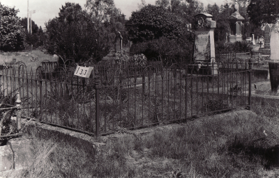 Historic picture of Makaraka cemetery, block MKB, plot 133.