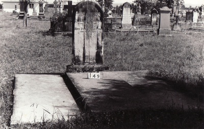 Historic picture of Makaraka cemetery, block MKB, plot 149.