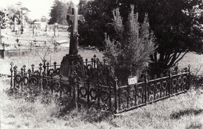 Historic picture of Makaraka cemetery, block MKB, plot 155.
