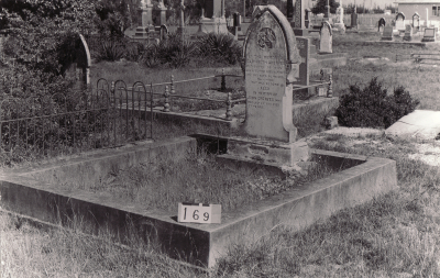 Historic picture of Makaraka cemetery, block MKB, plot 169.