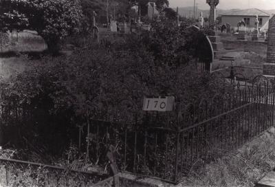 Historic picture of Makaraka cemetery, block MKB, plot 170.