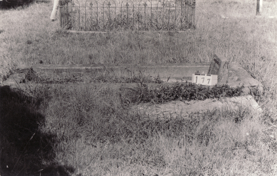 Historic picture of Makaraka cemetery, block MKB, plot 177.