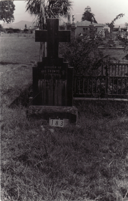 Historic picture of Makaraka cemetery, block MKB, plot 183.