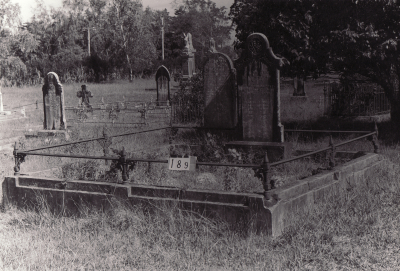 Historic picture of Makaraka cemetery, block MKB, plot 189.
