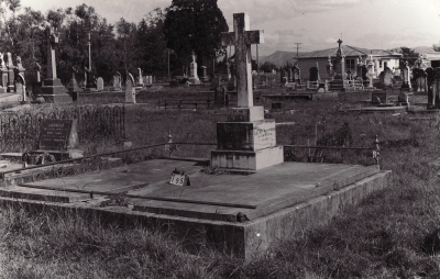 Historic picture of Makaraka cemetery, block MKB, plot 195.