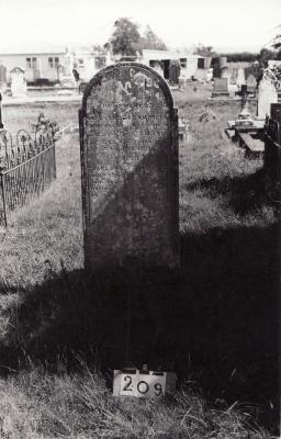Historic picture of Makaraka cemetery, block MKB, plot 209.