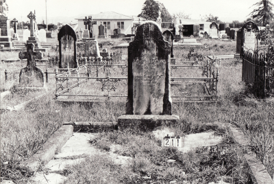 Historic picture of Makaraka cemetery, block MKB, plot 211.
