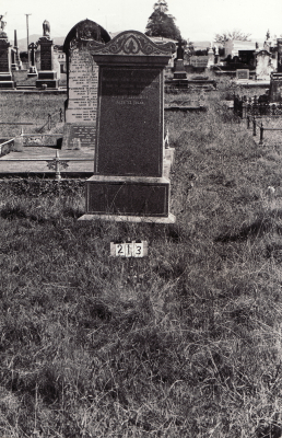 Historic picture of Makaraka cemetery, block MKB, plot 213.
