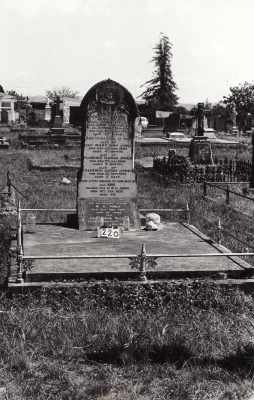Historic picture of Makaraka cemetery, block MKB, plot 220.