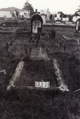 Historic picture of Makaraka cemetery, block MKB, plot 222.
