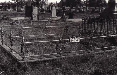 Historic picture of Makaraka cemetery, block MKB, plot 224.