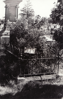 Historic picture of Makaraka cemetery, block MKB, plot 227.