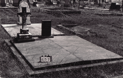Historic picture of Makaraka cemetery, block MKB, plot 657A.