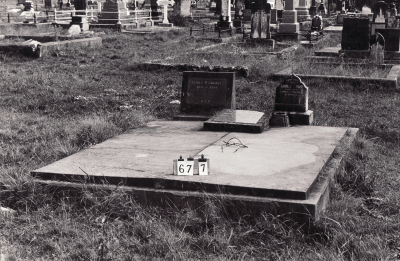Historic picture of Makaraka cemetery, block MKB, plot 677.