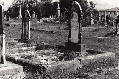 Historic picture of Makaraka cemetery, block MKB, plot 680.