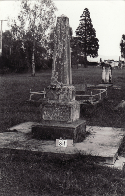 Historic picture of Makaraka cemetery, block MKB, plot 81.