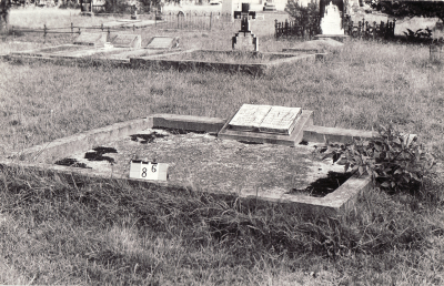 Historic picture of Makaraka cemetery, block MKB, plot 86.