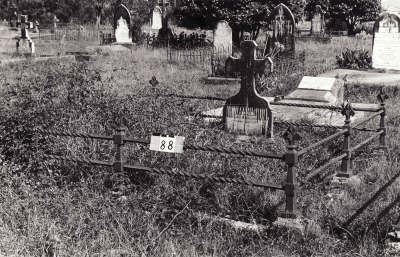 Historic picture of Makaraka cemetery, block MKB, plot 88.