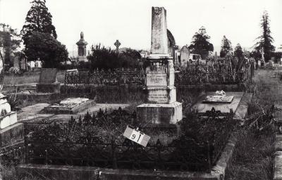 Historic picture of Makaraka cemetery, block MKB, plot 91.