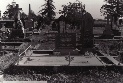 Historic picture of Makaraka cemetery, block MKC, plot 1158.