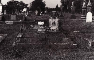 Historic picture of Makaraka cemetery, block MKC, plot 1175.