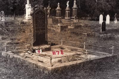 Historic picture of Makaraka cemetery, block MKC, plot 1178.
