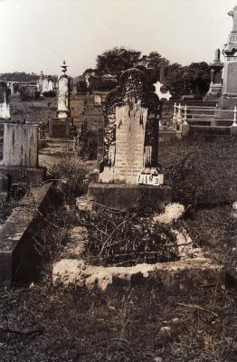 Historic picture of Makaraka cemetery, block MKC, plot 1183.
