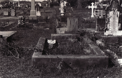 Historic picture of Makaraka cemetery, block MKC, plot 1184.