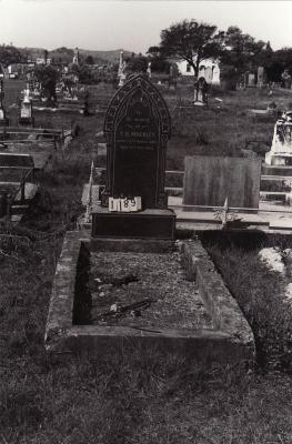 Historic picture of Makaraka cemetery, block MKC, plot 1189.