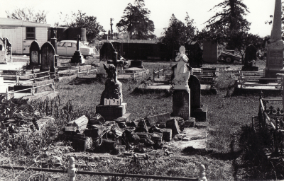 Historic picture of Makaraka cemetery, block MKC, plot 1195.