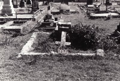 Historic picture of Makaraka cemetery, block MKC, plot 1197.
